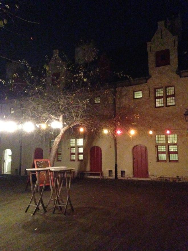 Het Huis Van Alijn: een mooie locatie voor een culturele avond, met of zonder monocle.