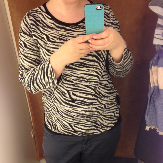 Zolang de modewereld kleren in zebramotief blijft maken, zal ik ze blijven kopen.