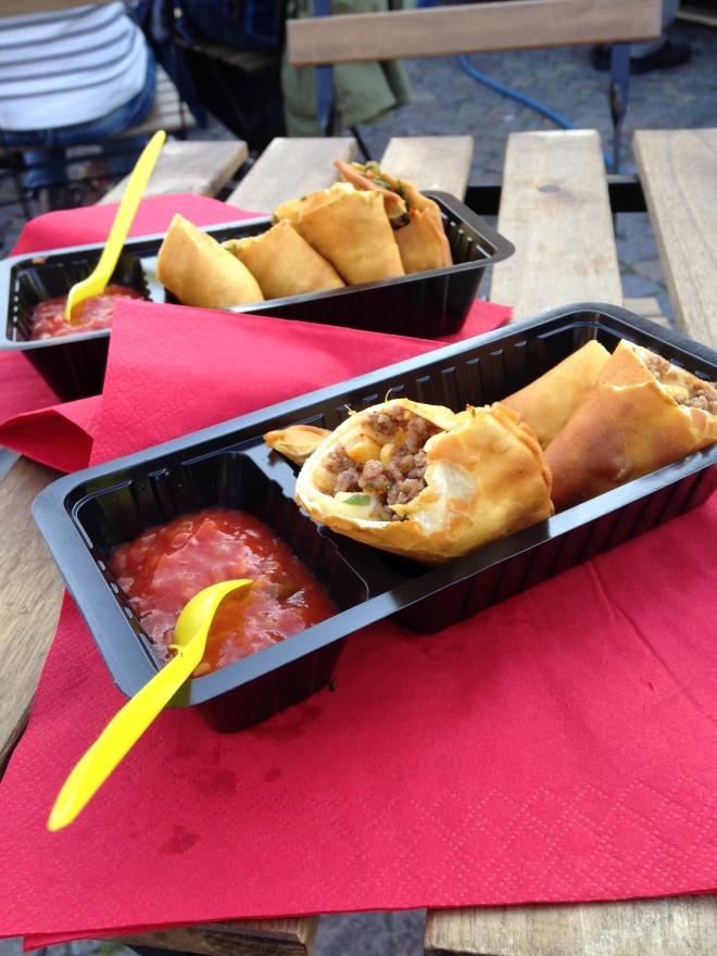 Yummy Mexicaans op een culinaire wereldmarkt.