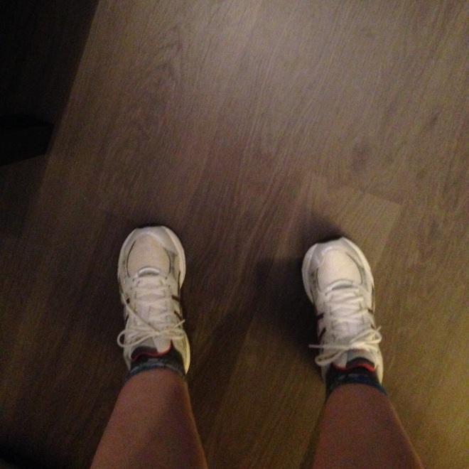 Mijn vriendinnen krijgen niet alleen foto's van mijn voeten, maar ook van mijn zwetend rood hoofd.